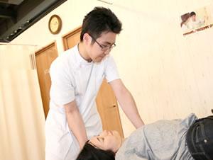 東大阪の整骨院 健康へのおもてなしグループ:首の施術
